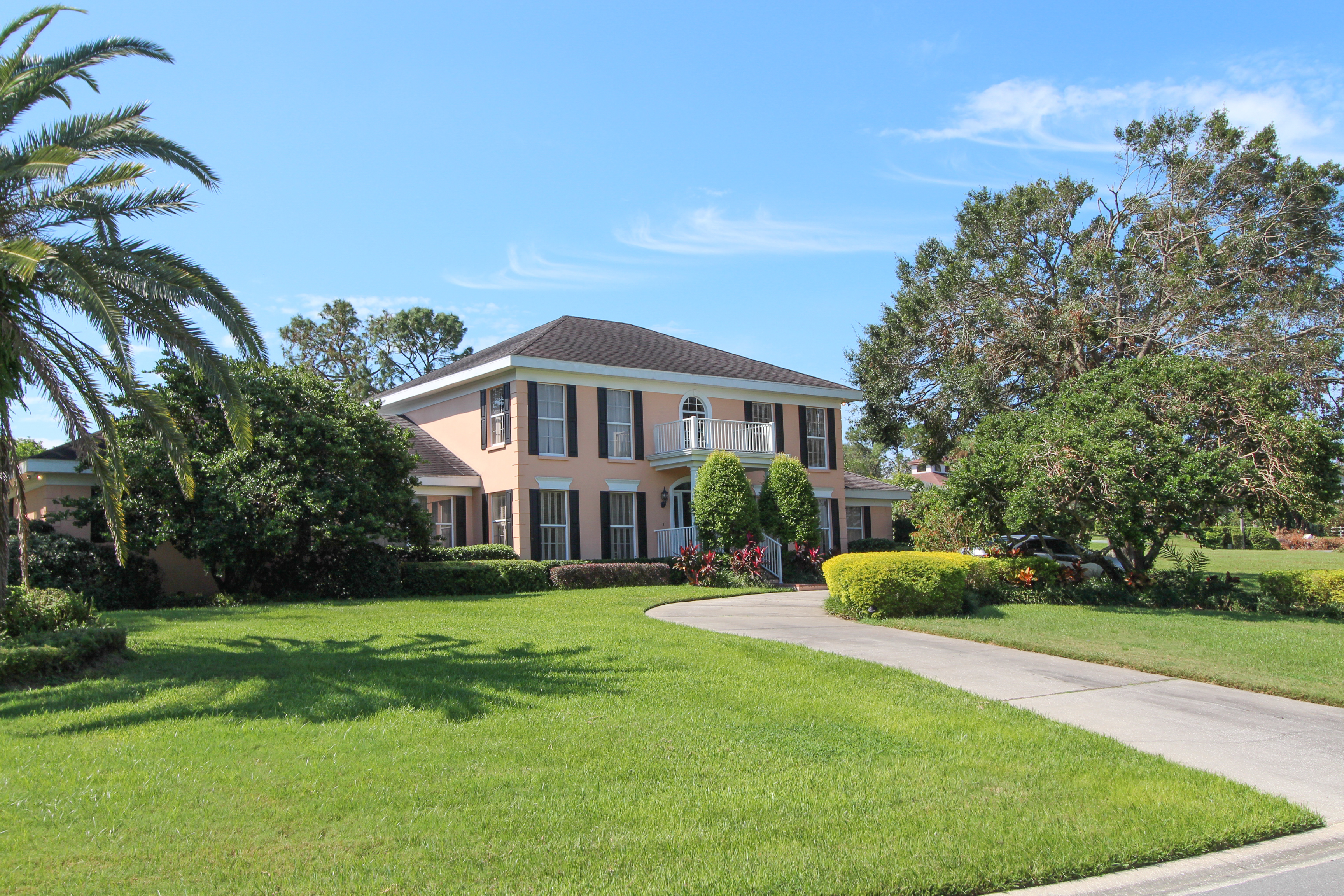 4 br 4 ba 2 story lake view home lakeland fl for 2 story lake house